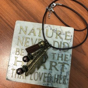 Jewelry - Rope Necklace with Leaf & Tassel Charms